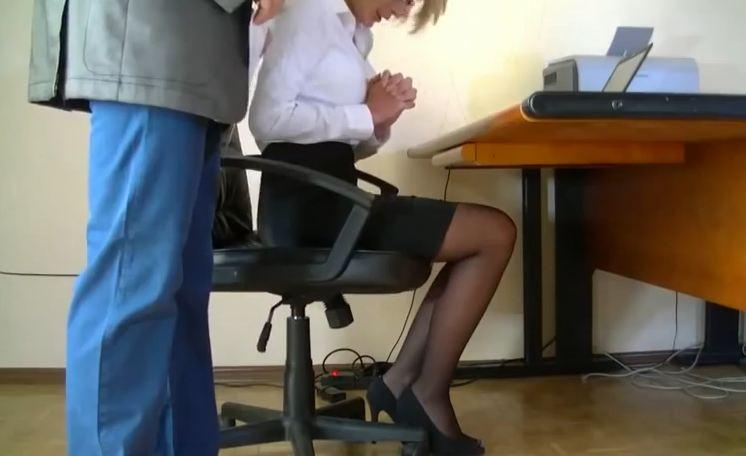 пенис скрытая камера начальник и секретарша видео совсем